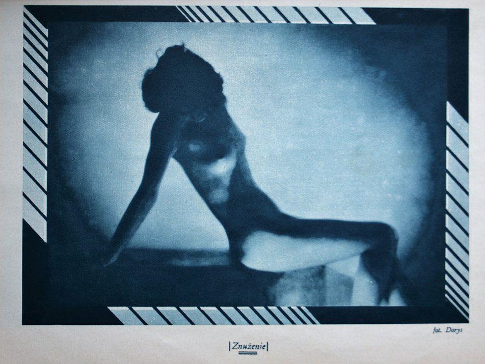 """""""Znużenie"""", akt autorstwa Benedykta Jerzego Dorysa. Strona z miesięcznika """"Naokoło Świata"""" z 1932 r."""