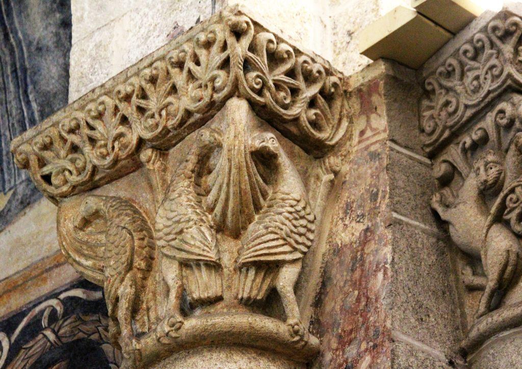 Santiago de Compostella. Katedra. Gowica kolumny. Fot. Jerzy S. Majewski