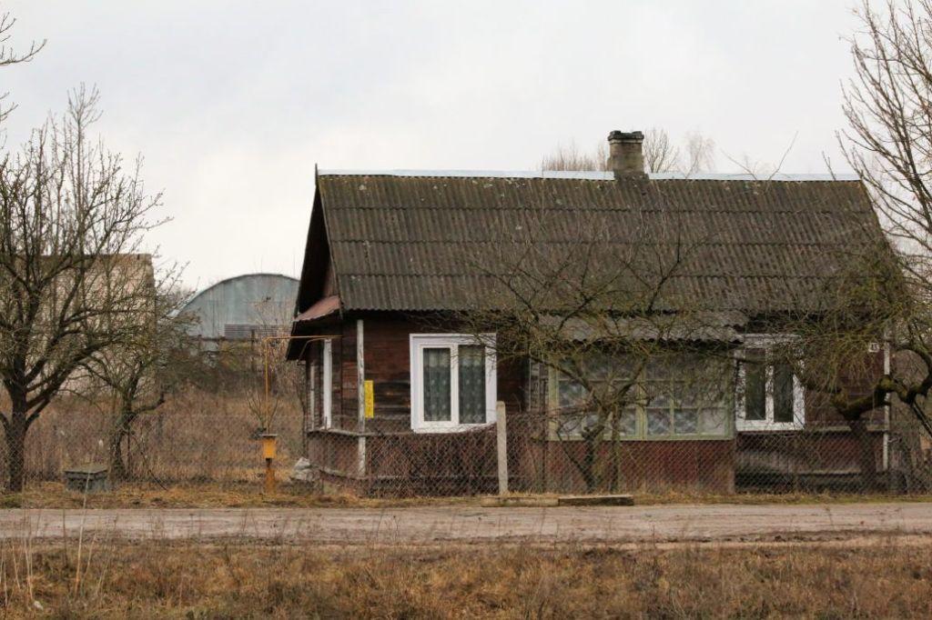 Ten dom stoi na terenie dawnego pałacu. Fot. Jerzy S. Majewski