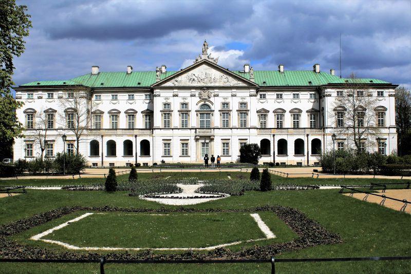 Warszawa. Pałac Krasińskich. Odrestaurowana elewacja ogrodowa. Fot. Jerzy S. Majewski