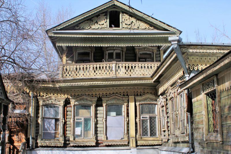 Jekaterynburg. Opuszczony drewniany dom przy ul Sacco i Vanzettiego. Fot. Jerzy S. Majewski