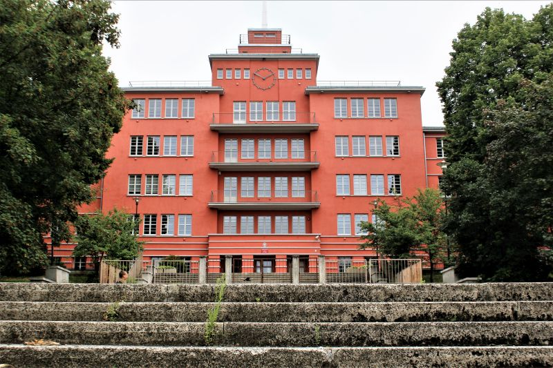 Elbląg.Dawna Jahnschule. Dziś gimnazjum. Fot. Jerzy S. Majewski