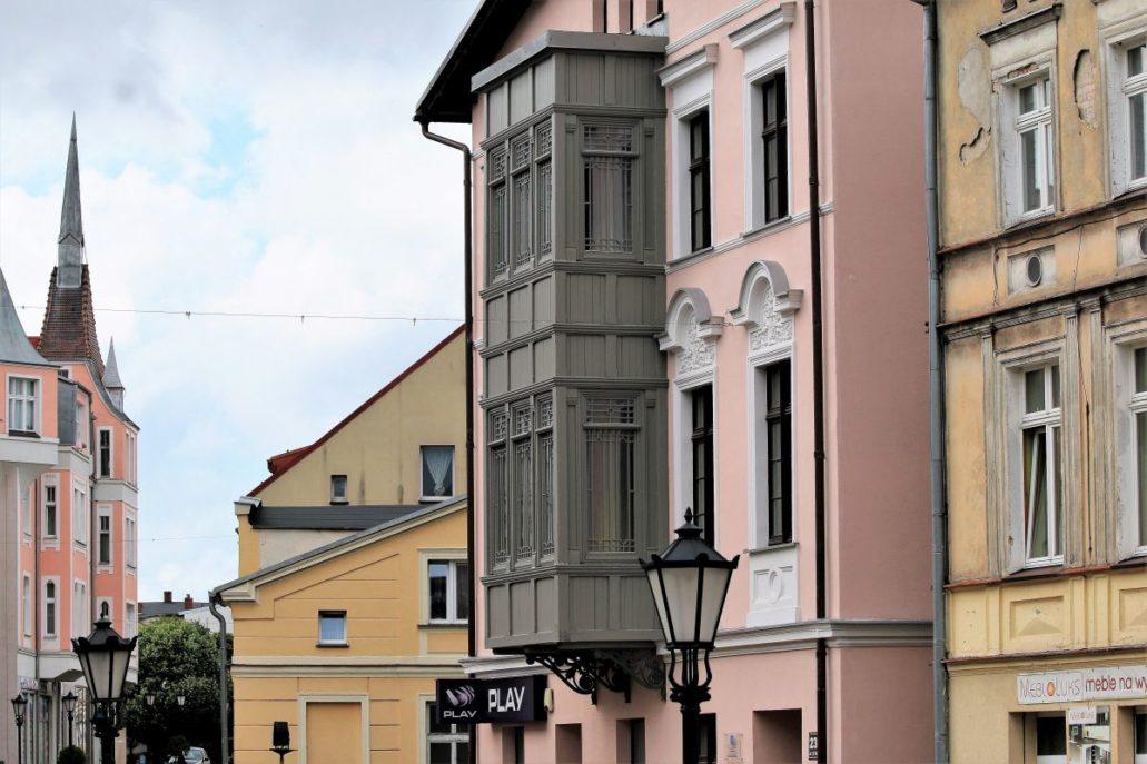 Wejherowo. Kamienica z werandą – wykuszem przy ul. 12 marca 236. Fot. Jerzy S. Majewski
