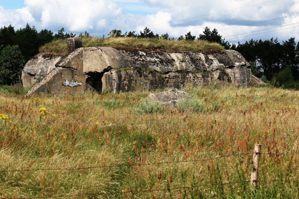 Osowiec. Jeden z wysadzonych bunkrów Fortu II. Fot. Jerzy S. Majewski