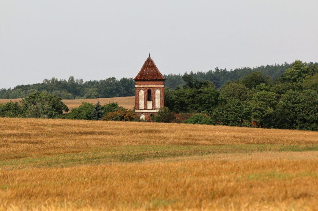 Łopatki koło Wąbrzeźna. Kościół. św. Marii Magdaleny powstały po 1325 r. Fot. Jerzy S. Majewski