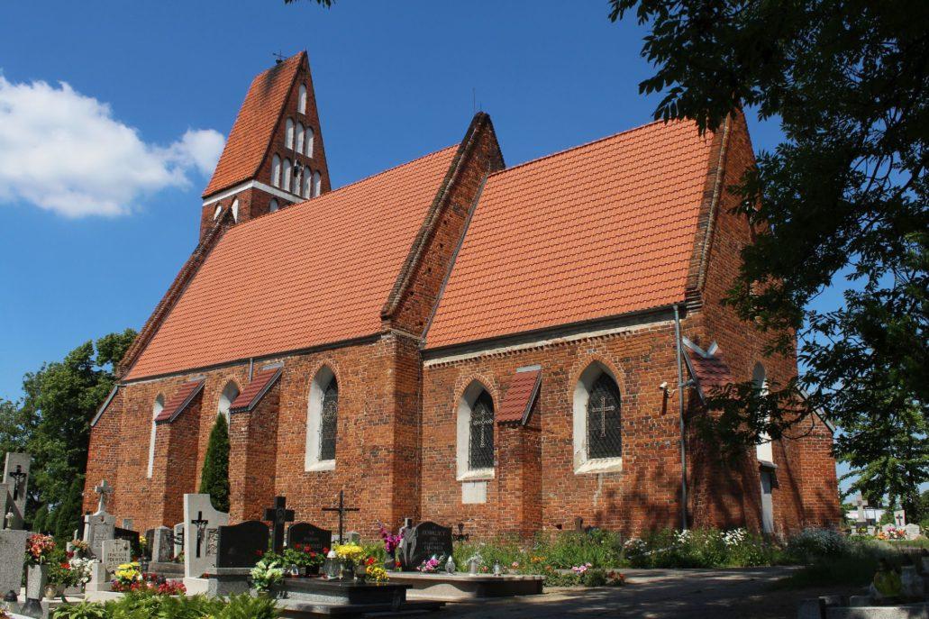 Papowo Toruńskie. Kościół św. Mikołaja. Wzniesiony przed 1300 r. Obecny kształt uzyskał po rozbudowie w latach 1906-07. Fot. Jerzy S. Majewski