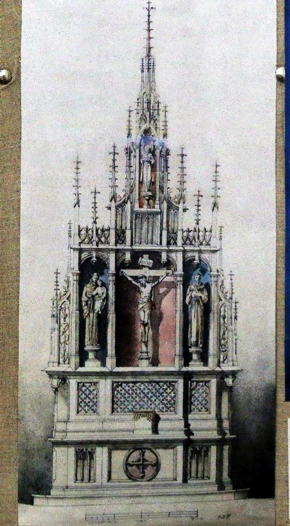 Władywostok. Odnaleziony w archiwum rysunek neogotyckiego ołtarza z oferty Zakładu Artystycznego J Szpetkowskiego w Warszawie. Rysunki eksponowane są dziś w kruchcie kościoła. Fot. Jerzy S. Majewski