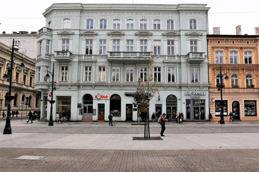 Łódż kamienica przy Piotrkowskiej 76. Tutaj znajdowała się cukiernia Roszkowskiego. Fot. Jerzy S. Majewski