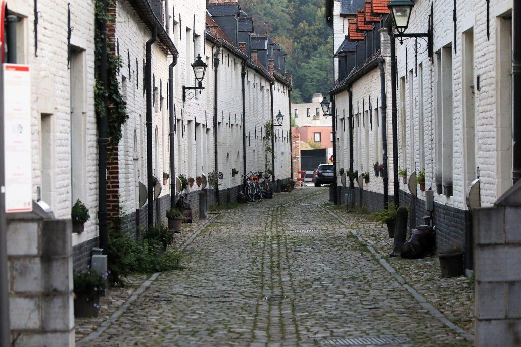 Leuven. Klimat sprzed zniszczenia miasta zachował m.in. Mały Beginaż (Kleine Begijnhof) Fot. Jerzy S. Majewski