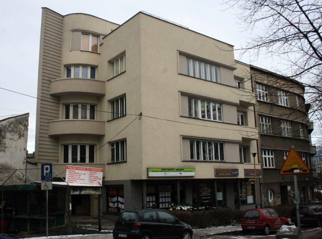 Bielsko-Biała. Ul. Bohaterów Warszawy 1 (d. Sułkowskiego). Kamienica, projekt Jüttner & Bolek, 1934. Fot. Jerzy S. Majewski