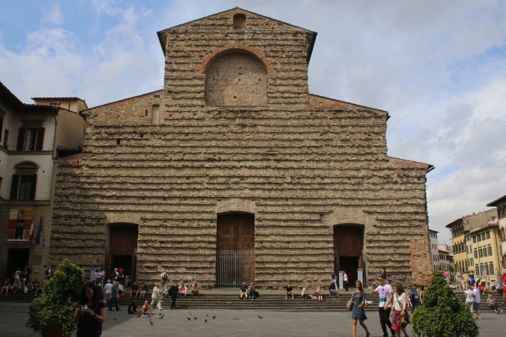 Florencja. Kościół San Lorenzo. Do tej ściany miała być dobudowana fasada projektu Michała Anioła. Nigdy to jednak nie nastąpiło. Fot. Jerzy S. Majewski