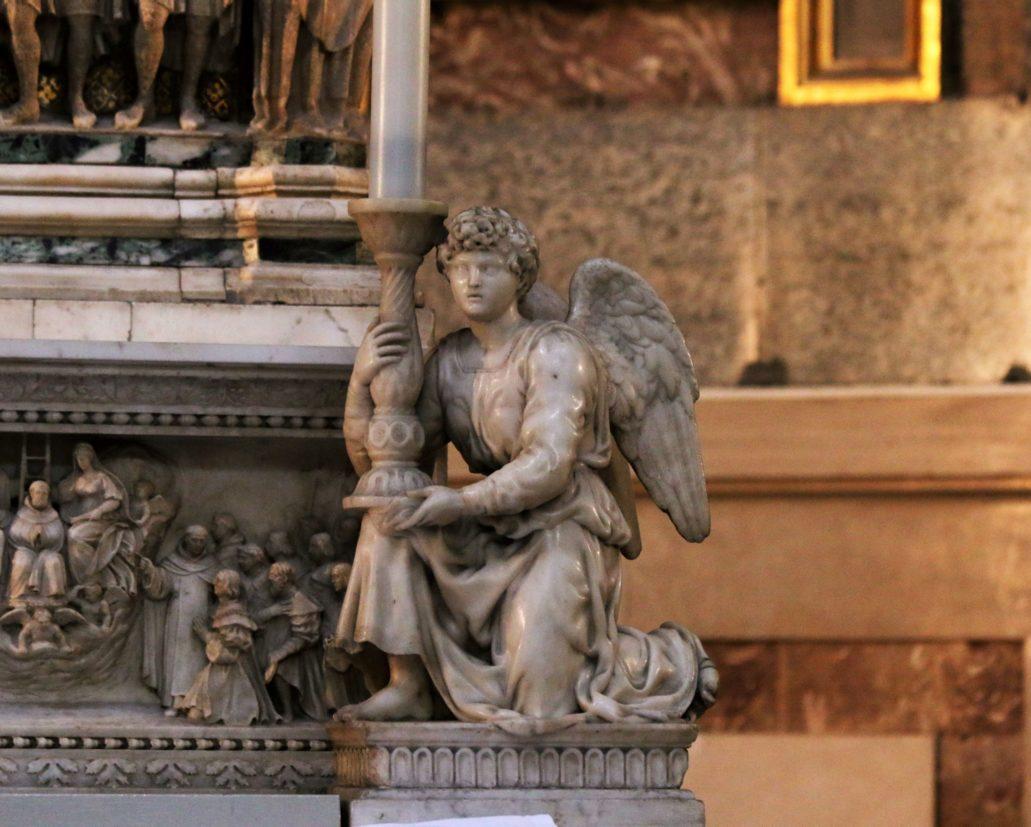 Bolonia. St. Domenico. Grobowiec św. Dominika. Prawy anioł autorstwa Michała Anioła (1494-95). Fot. Jerzy S. Majewski