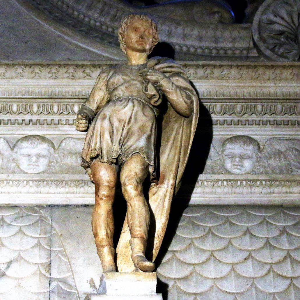 Bolonia. St. Domenico. Święty Prokulus. Rzeźba Michała Anioła z lat 1494-95. Pierwotnie w lewej ręce święty trzymał lancę – swój atrybut. Fot. Jerzy S. Majewski
