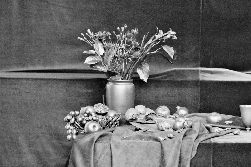 Warszawa.Kościół Wizytek. Dzban z kwiatami. Jeden z symboli przemijania. Fot.: Jerzy S. Majewski