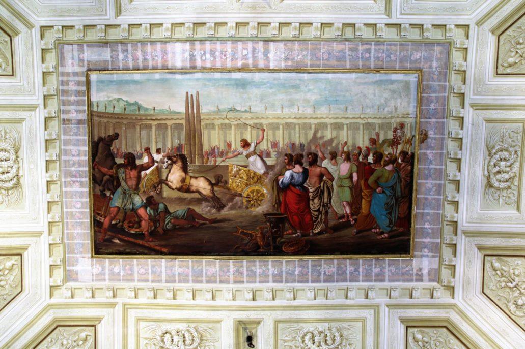 Ferrara. Zamek d'Estów. Także siedząc w zamkowej kafejce nad głowami możemy oglądać scenę z wyścigami na rzymskim hipodromie. Fot. Jerzy S. Majewski