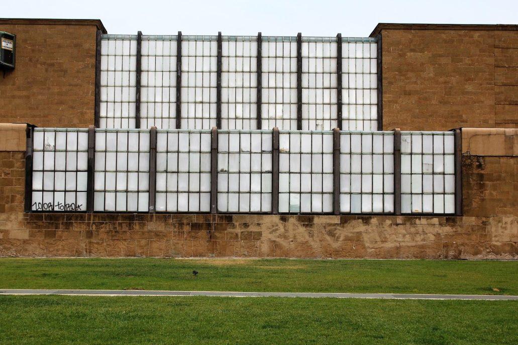 Florencja. Kaskada szkła spływająca z dachu i fasady dworca Santa Maria Novella. Fot. Jerzy S. Majewski
