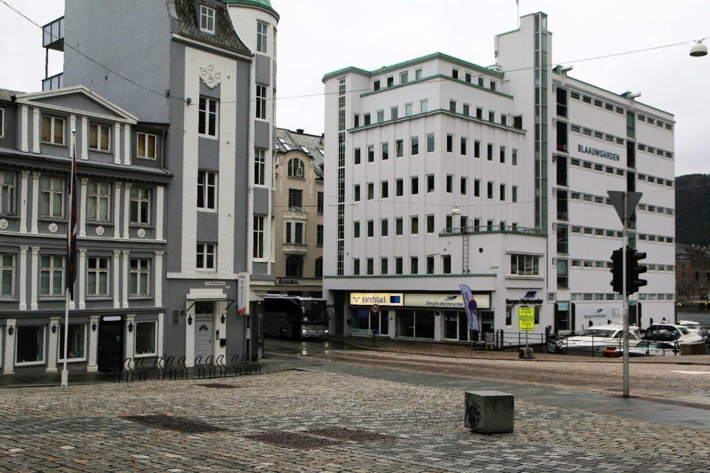 Bergen, Budynek magazynowo-biurowy Blaauwgården, Sundts gate 1, Dziś biurowiec. Projekt Leif Grung. 1936. Fot. Jerzy S. Majewski