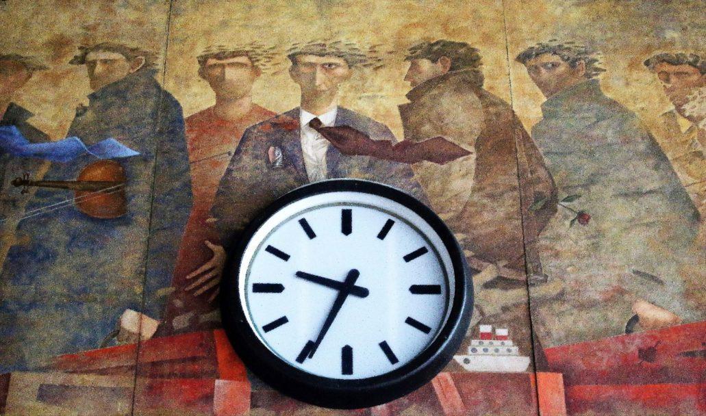"""Florencja. Dworzec Santa Maria Novella. Fragment fresku """"Odloty"""" autorstwa Giampaolo Talaniego z 2013 r. wymalowanego w hali głównej dworca. Fot. Jerzy S. Majewski."""