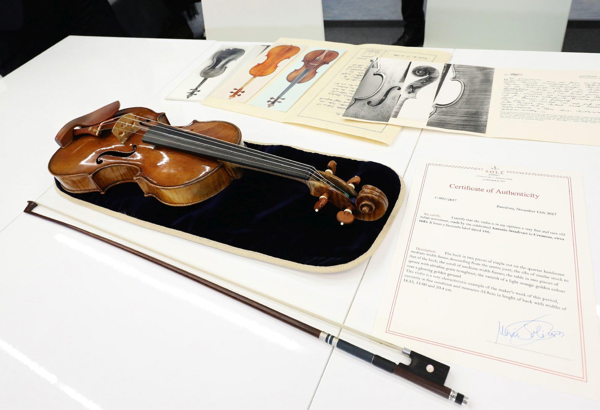 Skrzypce Stradivariusa na Zamku Królewskim w Warszawie