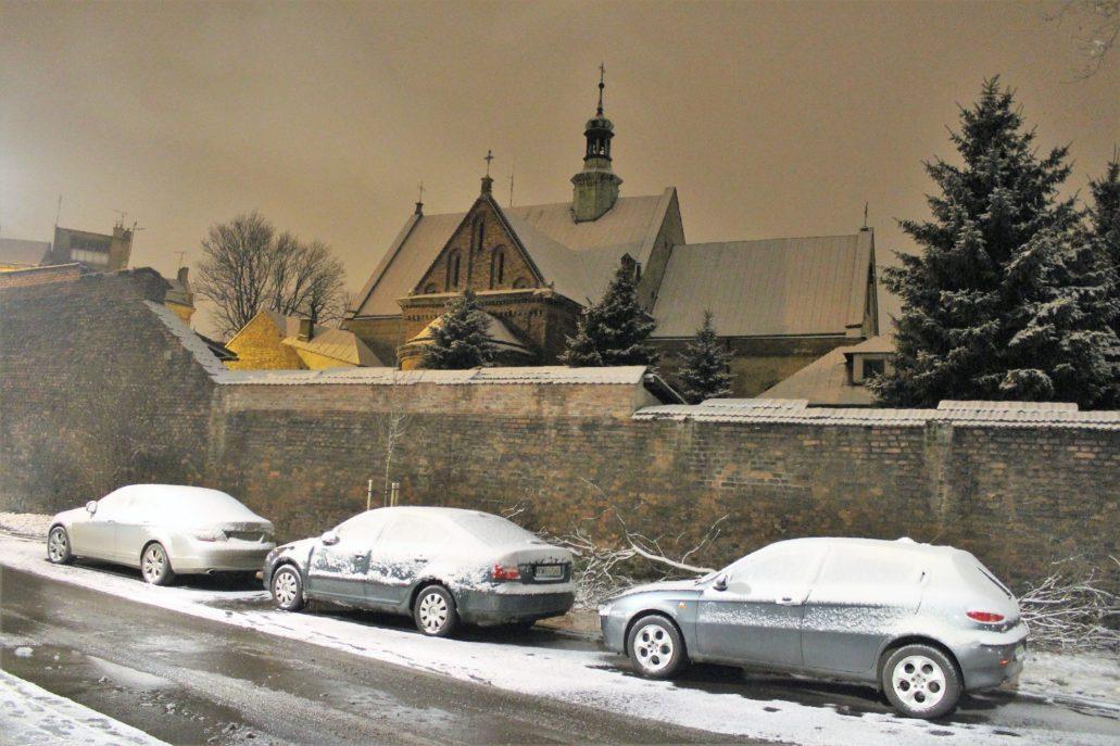 Kraków. Kościół Reformatów oraz mur klasztorny widoczne od strony ul. św. Marka. Fot. Jerzy S. Majewski 06.