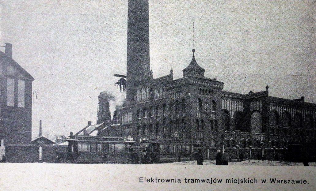 """Budynek elektrowni tramwajowej przy Przyokopowej w 1909 r. Dziś nie ma już komina ani rozbudowanej, bocznej elewacji budynku (widoczna od lewej) il. Wg. """"Świat"""" 1909"""