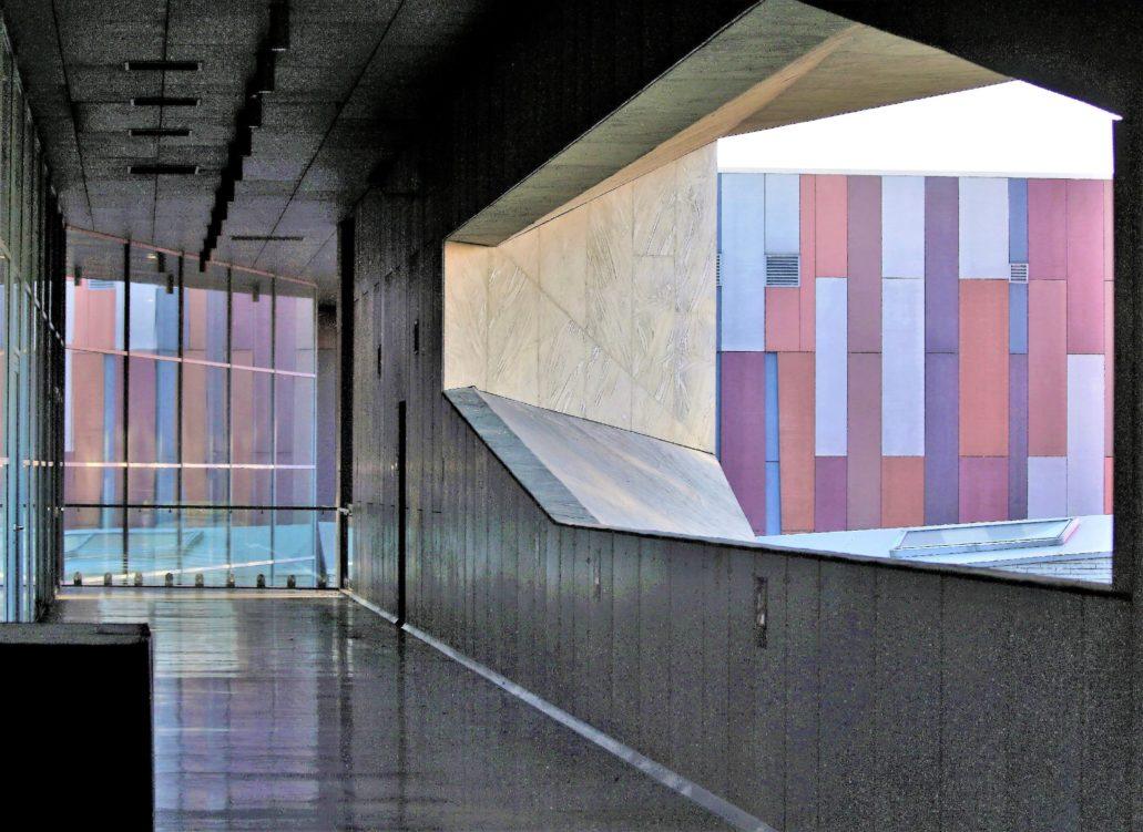 Warszawa. Fragment gmachu Centrum Nauki Kopernik. Projekt budynku Jan Kubec z zespołem. 2008-2011. Fot. Jerzy S. Majewski