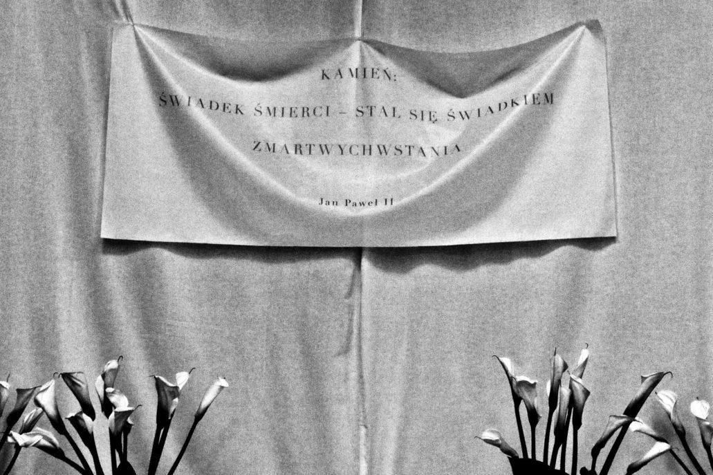 Warszawa. Kościół Wizytek. Grób Pański. Cytat z Jana Pawła II. Fot. Jerzy S. Majewski