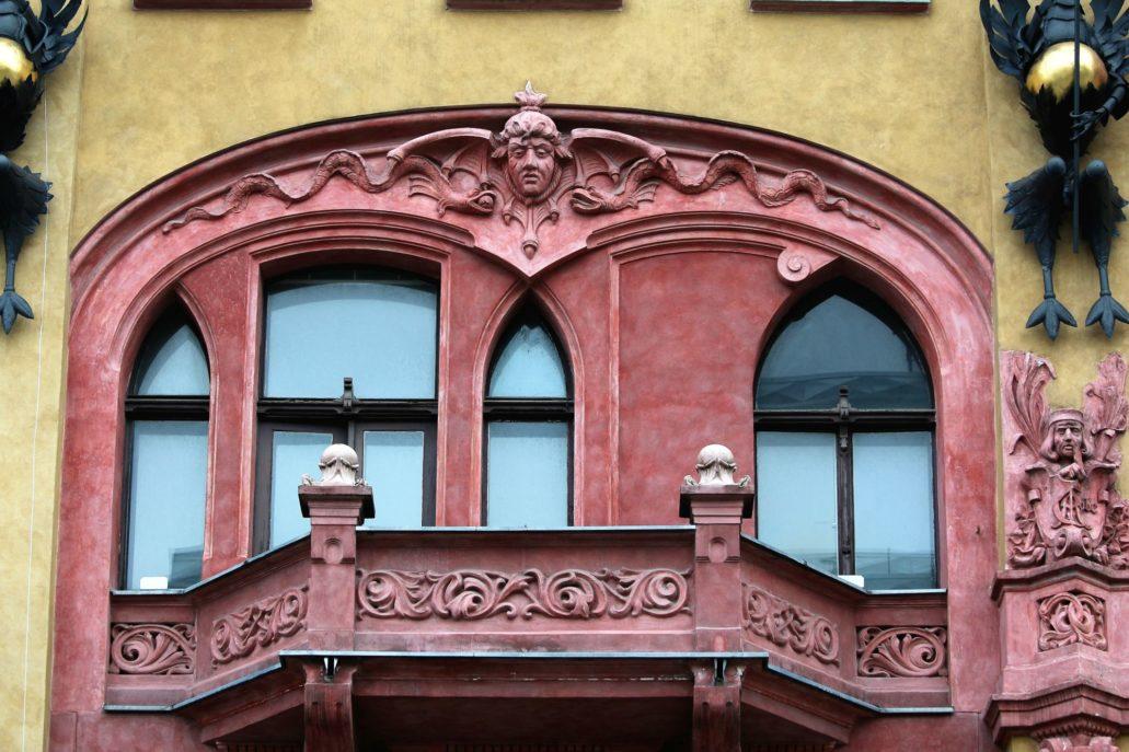 Łódź. Piotrkowska 86. Obramienie okna balkonowego. Fot. Jerzy S. Majewski