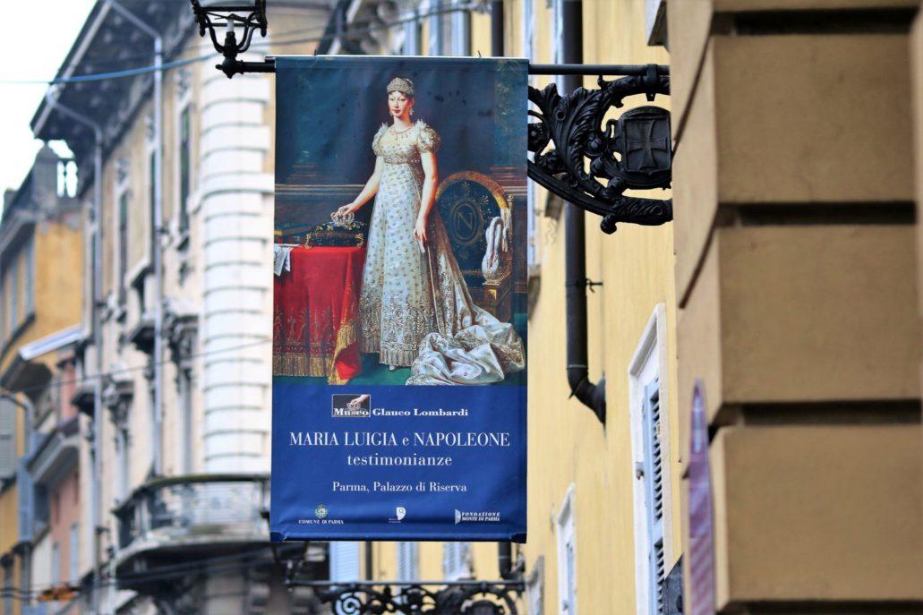 Parma. Ważną postacią w dziejach Parmy jest druga żona Napoleona Bonaparte – Maria Ludwika, była cesarzowa Francuzów. Otrzymała księstwo Parmy po wygaśnięciu zorientowanej na Francję parmeńskiej linii Burbonów. Rezydowała tu do śmierci w 1847 r. Jak widać, pamięć o niej jest w mieście wciąż żywa. Fot. Jerzy S. Majewski