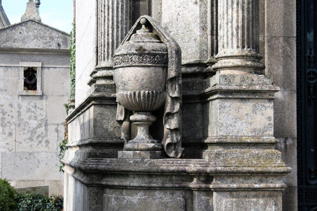 Porto. Cemitério de Agramonte. Detal architektoniczny jednej z kaplic. Fot. Jerzy S. Majewski