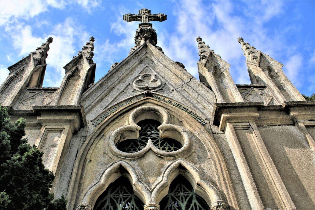 Porto. Cemitério de Agramonte. Detal neogotyckiego mauzoleum rodziny Silva Araujo. Fot. Jerzy S. Majewski