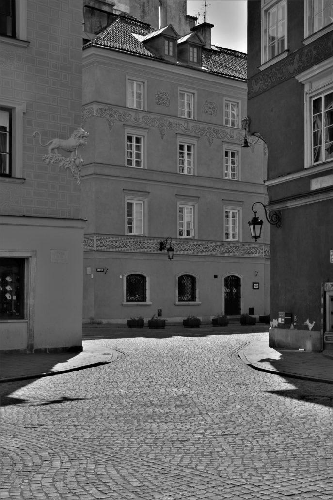 Warszawa. Koronawirus. Zapiecek. Widok z Rynku Starego Miasta. Fot. Jerzy S. Majewski