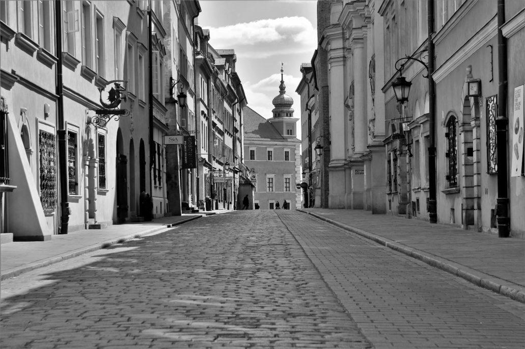Warszawa. Koronawirus. Ulica Piwna. Fot. Jerzy S. Majewski