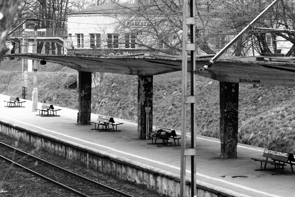 Piaseczno. Dworzec kolejowy. Wyspowy peron przed remontem. Fot. Jerzy S. Majewski