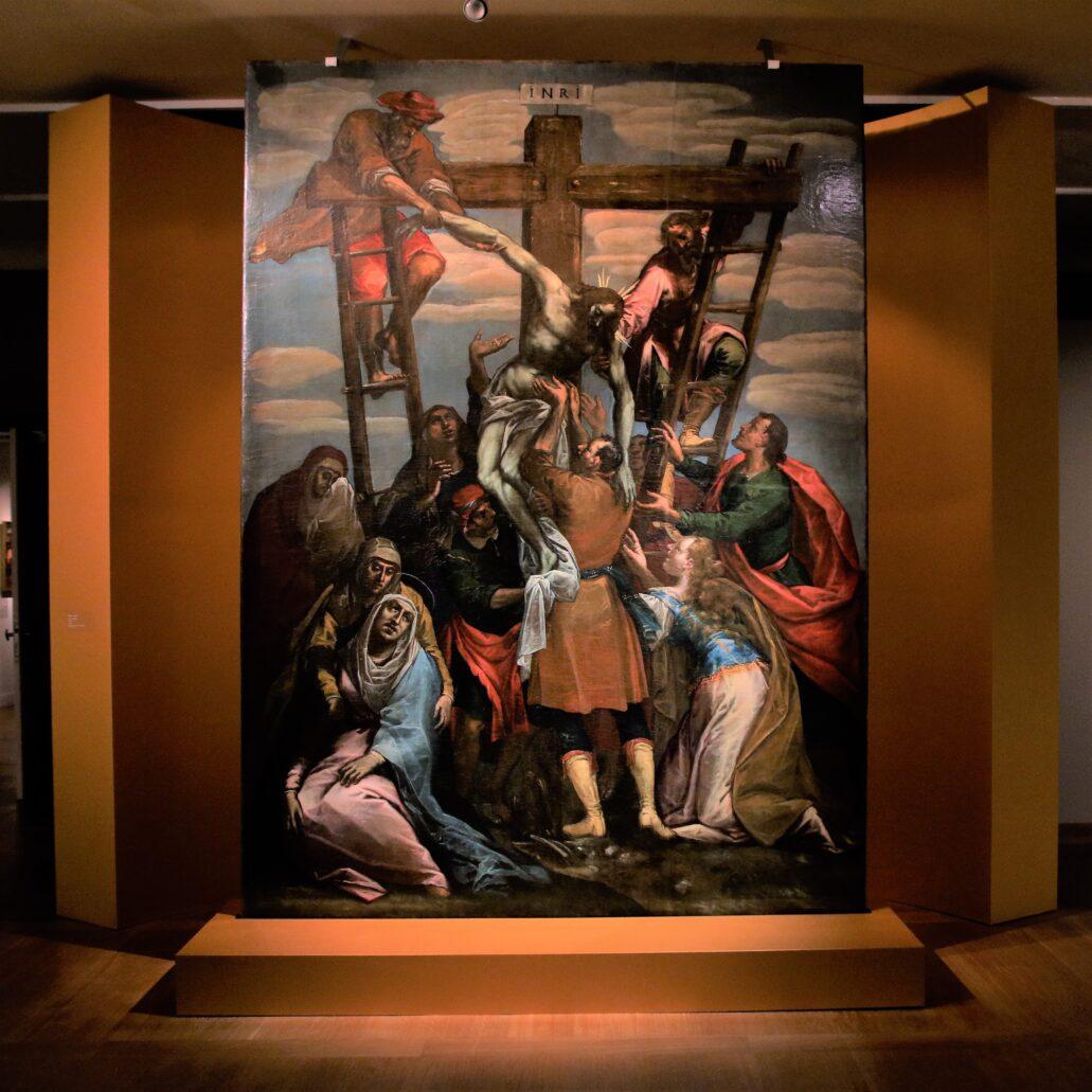 Tomasz Dolabella. Duży obraz Zdjęcia z Krzyża namalowany do zwieńczenia kolosalnego ołtarza w krakowskim kościele Bożego Ciała. 1635-1638. Obraz został namalowany w taki sposób, aby można go było oglądać z daleka i od dołu. Stąd proporcje kompozycji oglądanej z bliska wydają się być mocno zakłócone. Fot. Jerzy S. Majewski