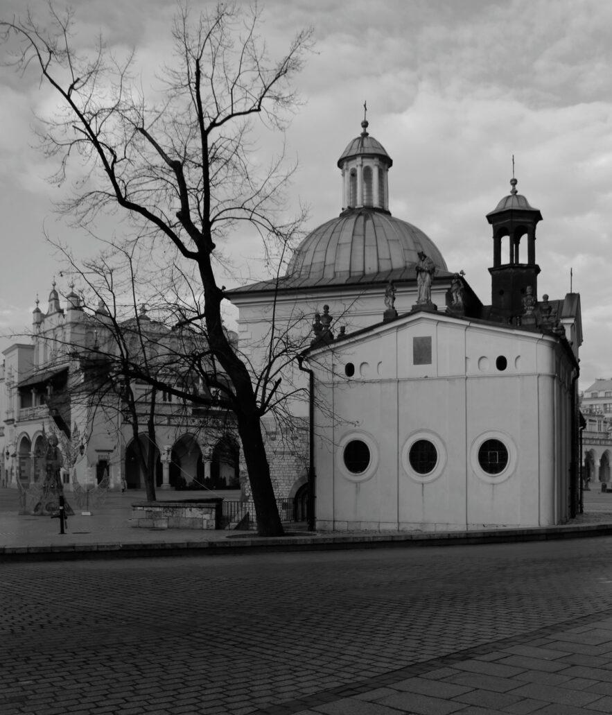 Kraków. Rynek Główny. Kościół św. Wojciecha. Fot. Jerzy S. Majewski