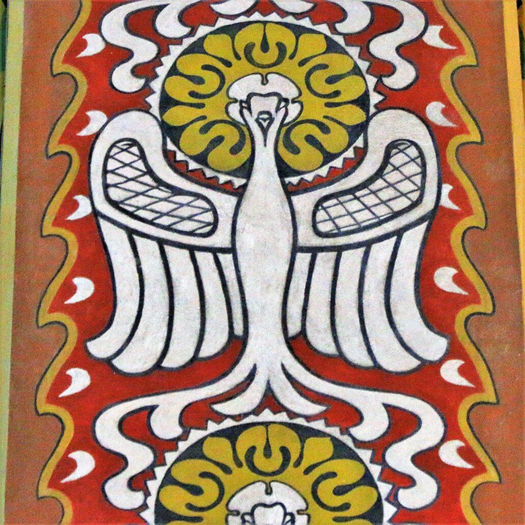 Sosnowiec. Katedra Wniebowzięcia NMP. Polichromia. Symbol Ducha Świętego przekształcony z gołębicy w motyw Polskiego Orła. Takie orły z nimbami wyobrażono na filarach w transepcie. Fot. Jerzy S. Majewski